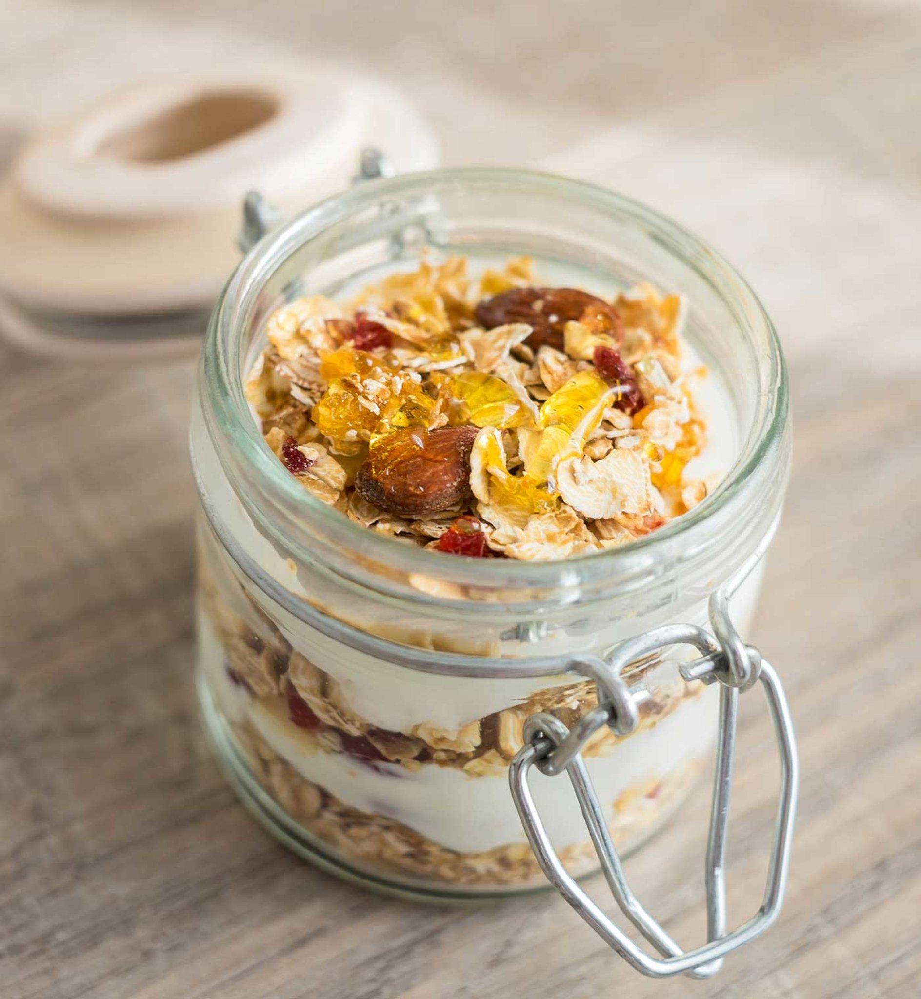 Frischer Joghurt-Dinkel-Snack